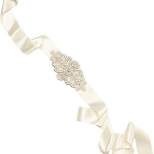 NWT DAVID'S BRIDAL Crystal & Pearl Sash - White